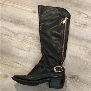 92de699a7c1 Gorgeous Vince Camuto Beralta leather riding boots